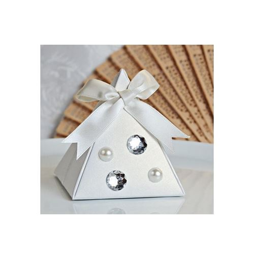 WHITE Pyramid Favour Boxes