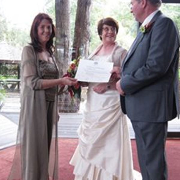 Marriage Celebrant-Lee Halligan - Celebrant