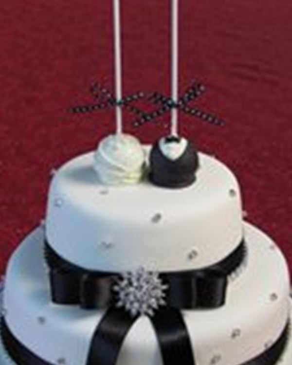 Frangipanicakes Wedding Cakes Springwood Easy Weddings