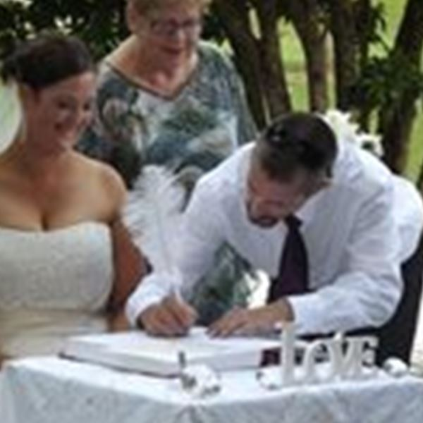 Marriage Celebrant-Its Your Ceremony