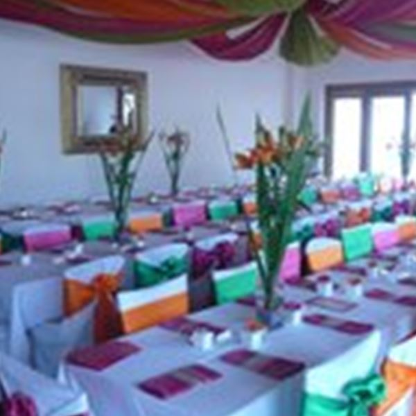 Dazzling decor hire decorations hackham easy weddings decorations dazzling decor hire junglespirit Choice Image