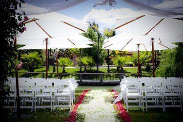 The Vines Lakehouse at Perricoota Vines Retreat | Wedding ...