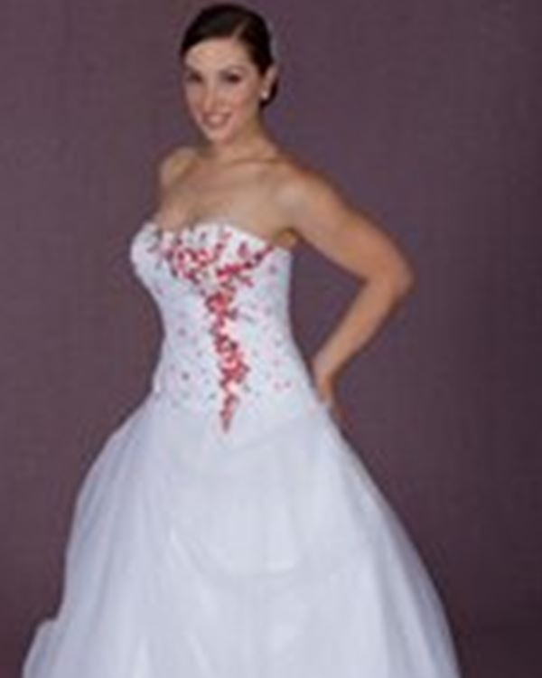 The Wedding Outlet: Wedding Dresses Somersby